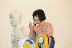 Michiyo Takagawa. Vicepresidente di CecchiniCuore, istruttrice BLSD di AHA. Giapponese di nascita e torinese da 20 anni ,grafica di professione e' la persona che regolarizza le tessere e gli attestati BLSD. Il suo zelo e la sua precisione nipponica sono impressionanti. E' lei che costantemente corregge i miei errori ed aggiusta la rotta della Onlus